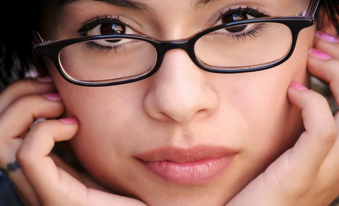 почему растут усы у девушки: