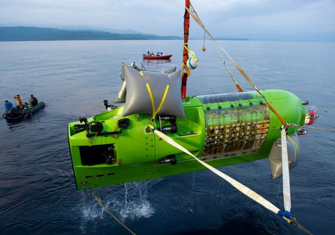 """фото """"Подъем Deepsea Challenger из Марианской впадины"""""""