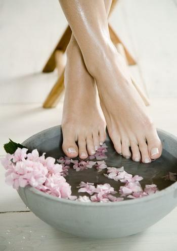 Чем лечить грибок ногтей на ногах?