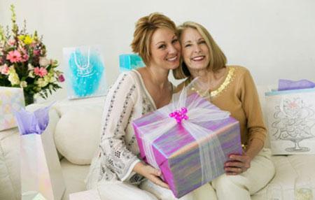 Что подарить маме на 50 лет?