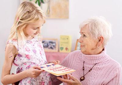подарок бабушке собственными руками