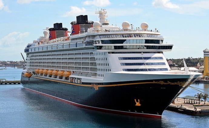 Круизный лайнер Disney Dream